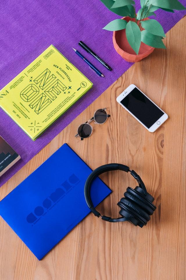kobu agency 4YMrFvN45L4 unsplash - Smart wearable devices promote market demand for rigid flex PCB